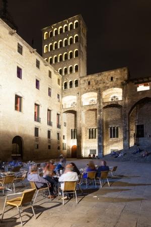 rei: night view of Placa del Rei at Gothic Quarter.  Barcelona, Spai Editorial