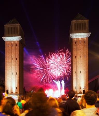 merce: BARCELONA, SPAIN - SEPTEMBER 24: Firework show at Plaza de Espana on September 24, 2013 in Barcelona, Spain. Light and music show at closing ceremonies of La Merce Festival