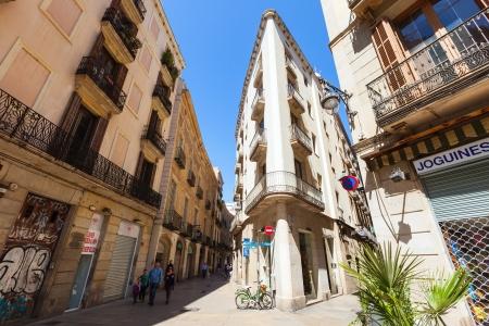 gotico: BARCELONA, CATALU�A - 14 de abril las calles pintorescas del Barrio G�tico en 14 de abril 2013 en Barcelona, ??Catalu�a es el centro de la antigua ciudad, uno de los s�mbolos de la ciudad Editorial