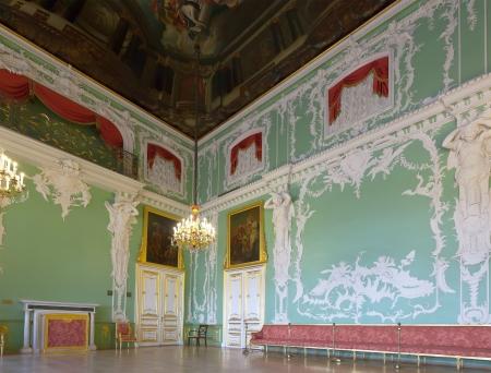 palacio ruso: San Petersburgo, Rusia - 03 de agosto: Interior del Palacio Stroganov 3 de agosto de 2012 en San Petersburgo, Rusia. Palacio fue construido a los dise�os de Rastrelli en 1753-54. Ahora - rama del museo ruso Editorial