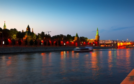 moskva river: View of Moscow Kremlin in summer sunset. Russia