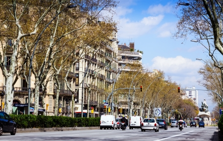 gran via: BARCELONA, SPAIN - MARCH 28: Gran Via de les Corts Catalanes in March 28, 2013 in Barcelona, Spain. Gran Via is one of major avenues. Length of 13.1 kilometres, it is longest street in Spain Editorial