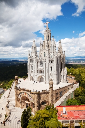 cor: BARCELONA, SPAIN - MAY 18: Temple Expiatori del Sagrat Cor in May 18, 2013 in Barcelona, Spain. Construction of the temple dedicated to Sacred Heart, lasted from 1902 to 1961