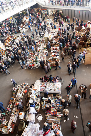 mercat: BARCELONA, SPAIN - MARCH 10, 2014: Top view of Encants Vells flea market in Barcelona, Spain. This is one of the oldest markets in Europe, has been known since the 14th century