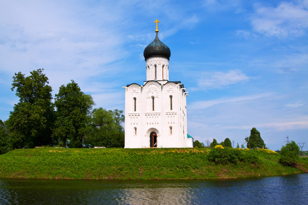 nerl: Church of the Intercession on the River Nerl.