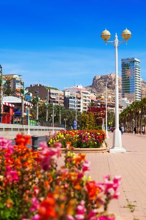 ALICANTE, SPAIN - APRIL 14, 2014: Embankment in Alicante. Avenue Admiral July Guillen Tato Editoriali
