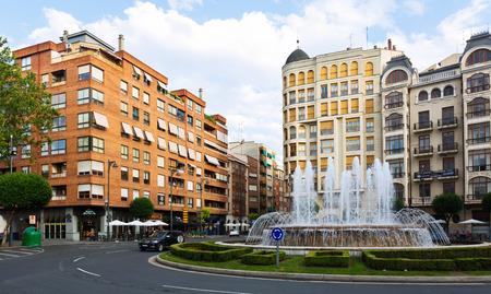 provisional: LOGRO�O, ESPA�A - 27 de junio 2014: plaza Alf�rez Provisional con fuente. La Rioja, Espa�a