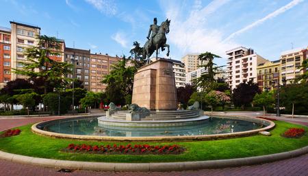 principe: Monumento del General Espartero en el Paseo del Pr�ncipe de Vergara. Logro�o, Espa�a Editorial