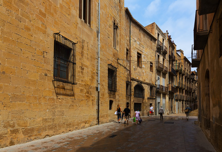 ebre: TORTOSA, SPAIN - AUGUST 12, 2014: Narrow street near Cathedral. Tortosa, Spain