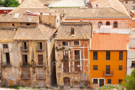 ebre: Old  abandoned houses in spanish town. Tortosa, Spain