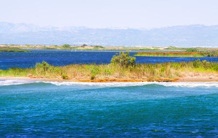 ebro: Delta del fiume Ebro in giorno d'estate. Spagna Archivio Fotografico