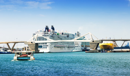 cruiseliner: Passenger terminals at the Port of Barcelona.  Spain