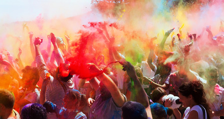 colores: BARCELONA, SPAIN - APRIL 6, 2014: People at Festival of colors Holi Barcelona. Holi is traditional holiday of India