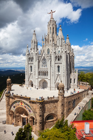 cor: BARCELONA, SPAIN - MAY 18: Temple Expiatori del Sagrat Cor in May 18, 2013 in Barcelona, Spain.  The construction of the temple dedicated to the Sacred Heart, lasted from 1902 to 1961
