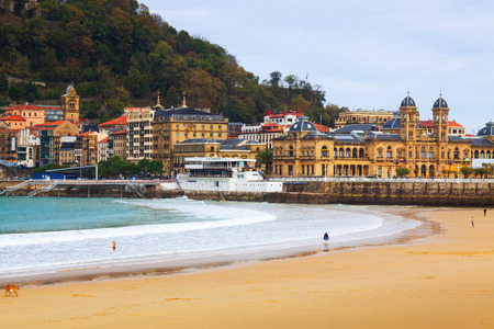 san sebastian: La Concha beach in autumn day at San Sebastian.  Spain