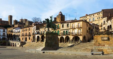 pizarro: Equestrian statue of Francisco Pizarro at  Plaza Mayor. Trujillo, Caceres. Spain Stock Photo