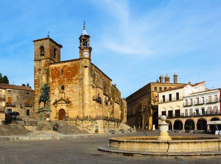 pizarro: Church and Equestrian statue of Francisco Pizarro at  Plaza Mayor. Trujillo, Caceres