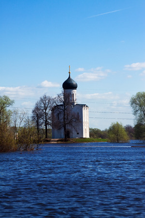 nerl river: Church of the Intercession on the River Nerl in spring  flood Stock Photo