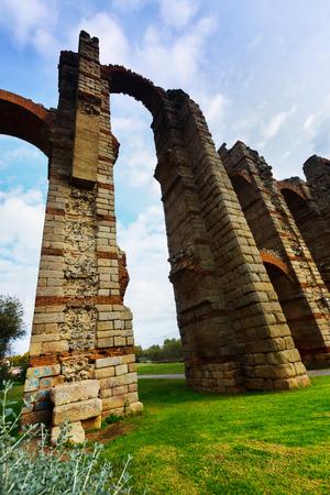 acueducto: Wide angle shot of ancient  roman aqueduct. Merida, Spain