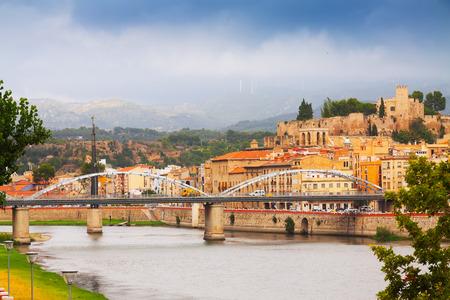 ebre: Ebro river with bridge and Suda Castle in Tortosa. Catalonia Editorial