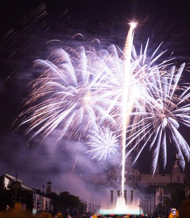 merce: Light and music show with firework at Plaza de Espana. Barcelona