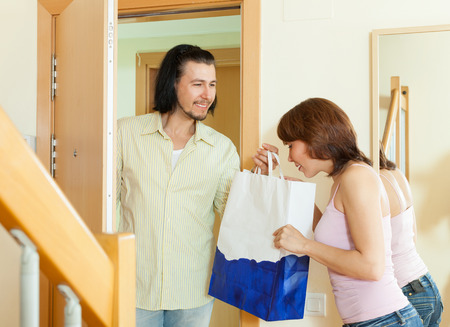 came: Wonderful man came to the woman with a gift home