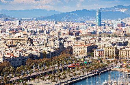 포트 측면에서 바르셀로나 도시입니다. 카탈로니아, 스페인 스톡 콘텐츠