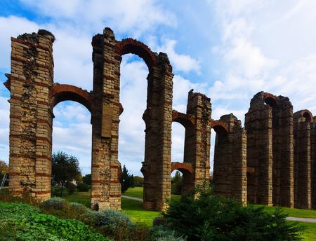 acueducto: Antique   Aqueduct of Merida in  day time. Spain