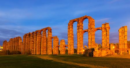 acueducto: twilight view of  roman aqueduct at Merida. Spain