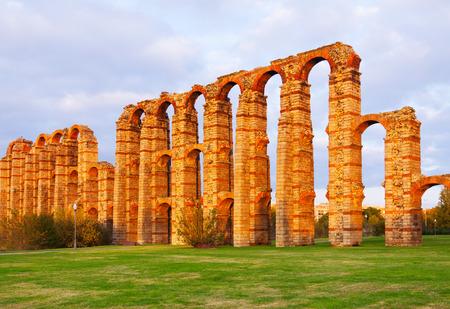 acueducto: Acueducto de los Milagros - Roman aqueduct. Merida Stock Photo