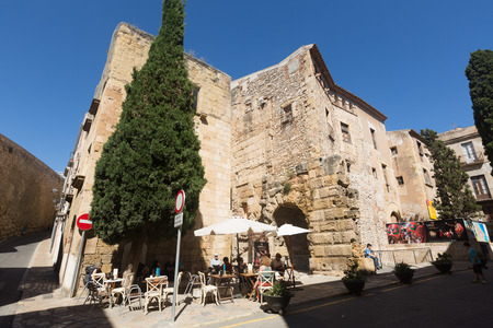 1st century: TARRAGONA, SPAIN - MAY 16, 2015: Wide angle shot of Plaza del Pallol Square -  Includes the ruins of the Roman forum, which dates from the 1st century AD.  Tarragona. Catalonia Editorial