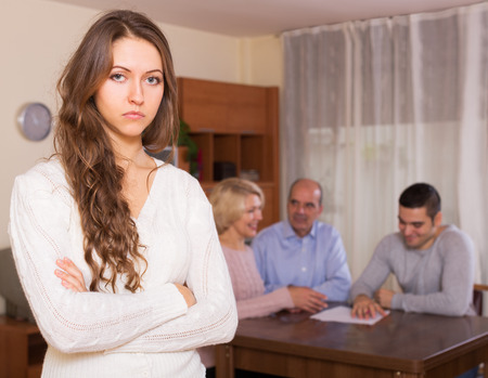 misunderstanding: Family communication difficulties: misunderstanding in big family Stock Photo
