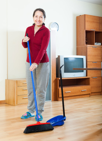 Mature room cleaner
