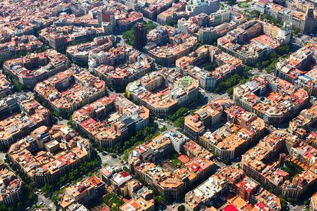Eixample 地区の空撮。バルセロナ、スペイン 写真素材