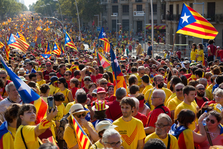 converge: BARCELONA, SPAIN - SEPTEMBER 11, 2014: Rally to 300th anniversary of  loss of independence of Catalonia