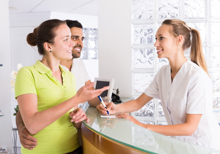planificacion familiar: Paciente joven que visitan la clínica de planificación familiar