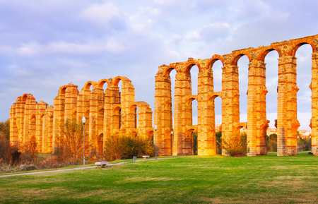 acueducto: Acueducto de los Milagros   in autumn. Merida, Spain Stock Photo