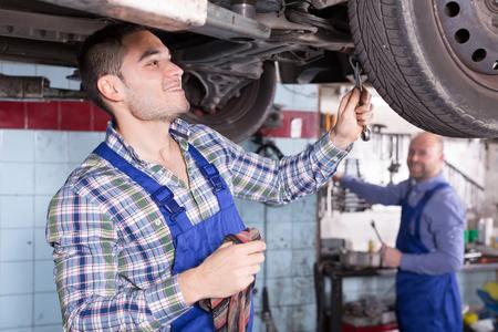 mounting holes: Positive mechanics fixing car tire leak