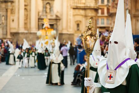 semana: MURCIA, SPAIN - APRIL 15, 2014: Semana Santa in Murcia. Holy Week is  annual commemoration  by Catholic religious brotherhoods, processions on  streets Editorial
