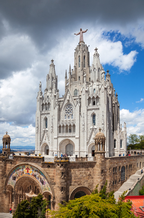 tibidabo: BARCELONA, SPAIN - MAY 18: Expiatory Church of  Sacred Heart of Jesus in May 18, 2013 in Barcelona, Spain.  The construction of the temple dedicated to the Sacred Heart, lasted from 1902 to 1961