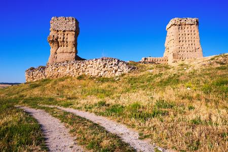 castile leon: Ruined  castle of Palenzuela.  Castile and Leon, Spain