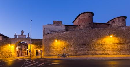 castile leon: City wall of Leon in night.  Castile and Leon, Spain Stock Photo