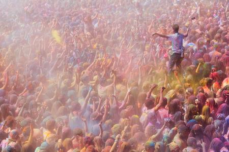 colores: BARCELONA, SPAIN - APRIL 12, 2015: People at  Festival de los colores Holi at Barcelona
