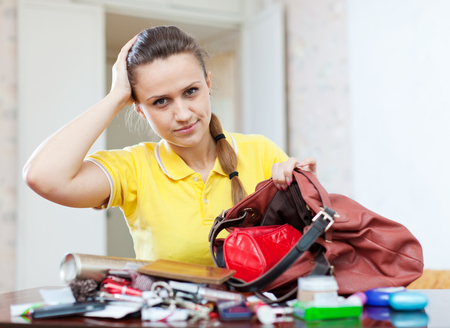 ransack: Upset woman because that she is anything lost in her purse