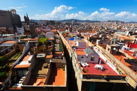 gotico: Los techos de la ciudad vieja de Santa María del Mar - Barcelona. Cataluña, España