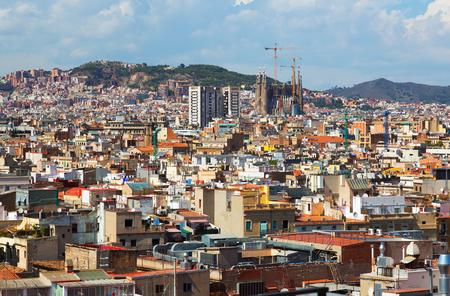 gotico: Día de vista de Barcelona con Sagrada Familia de Santa María del mar. Cataluña