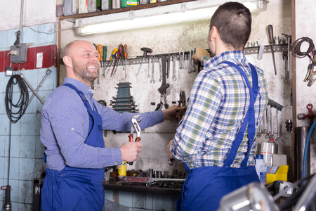 toiling: Positive mechanics at work in a workshop