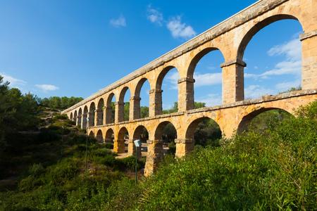 acueducto: Antique roman aqueduct in Tarragona. Catalonia