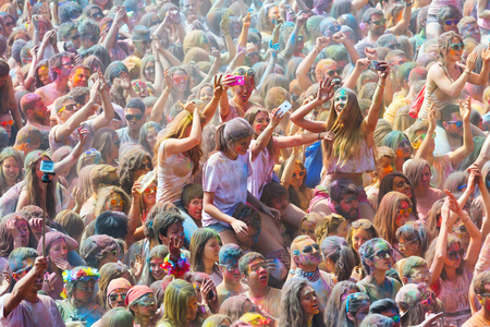 colores: BARCELONA, SPAIN - APRIL 12, 2015: People at  Festival de los colores Holi in Barcelona. Holi is traditional holiday of India