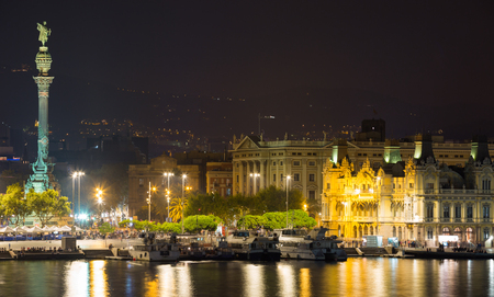 columb: Barcelona  Port  with  Columbus statue  in  night time.  Spain